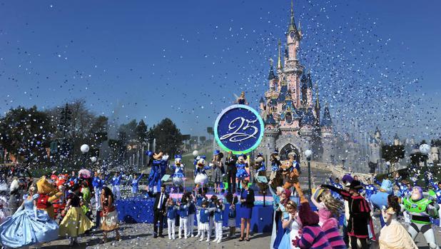 Ceremonia de inicio de las celebraciones por el 25 aniversario de Disneyland París