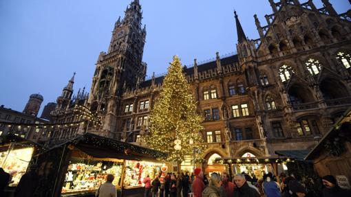 El mercadillo de Navidad que se celebra cada año en la Marienplatz