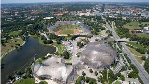 Villa Olímpica de Múnich, con el estadio y, al fondo, la ciudad