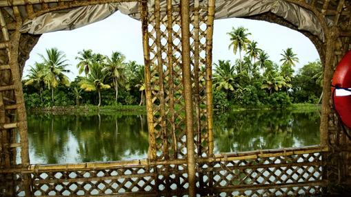 Casas-barco, en los canales de Kerala