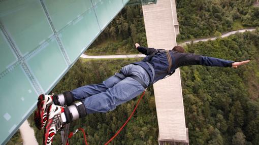 Salto desde el Europabruecke