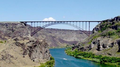 Puente sobre el río Snake