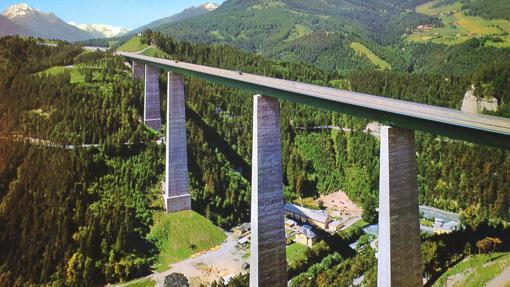 Europabrücke, en el paisaje alpino austriaco