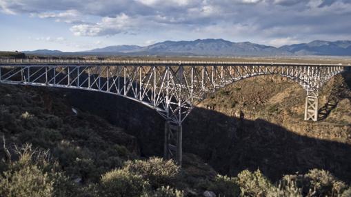 Puente sobre el Río Grande