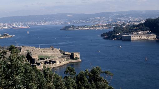 Castillos en la entrada de la ría de Ferrol