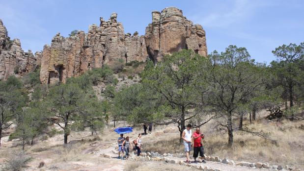Vista general de la aridez y las formaciones rocosas en el municipio mexicano de Sombrerete