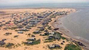 Así es el pueblo «enterrado» en el desierto más al norte del planeta