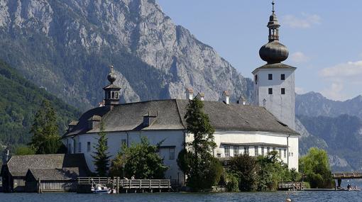 Castillo de Schloss Ort, en el lago de Traunsee