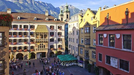 El centro histórico de Innsbruck, siempre con vistas a las montañas