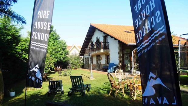 Seis casas rurales perfectas para hacer surf for Casa rural mansion terraplen seis