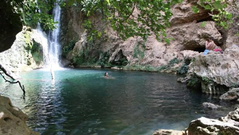 Las diez piscinas naturales m s impactantes de espa a for Piscinas naturales la adrada