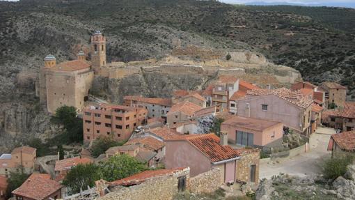 Vista panorámica de Castielfabib desde la Torreta