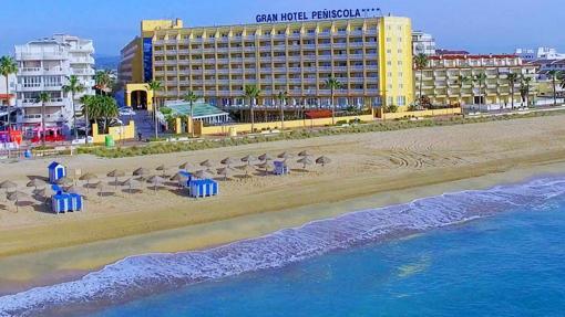 Once maravillosos hoteles para descansar a pie de playa for Habitacion familiar en once