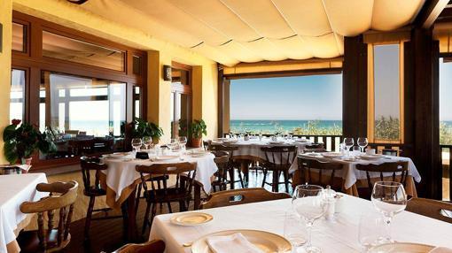Nueve terrazas con vistas al mar donde se come muy bien - Casa antonio zahara ...