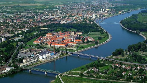 Vista aérea de Osijek, a orillas del río Drava
