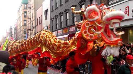 Danza del dragón chino en Año Nuevo