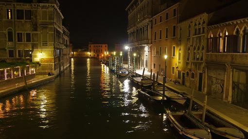 Canal de Cannaregio de noche (Venecia)