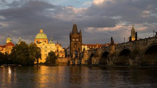 Puente Don Carlos (Praga)