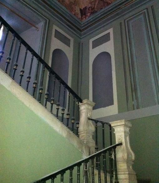 Escalera de acceso a la primera planta del Palacio