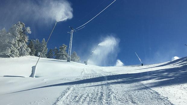 Cañones de nieve esta semana en la estación de Masella