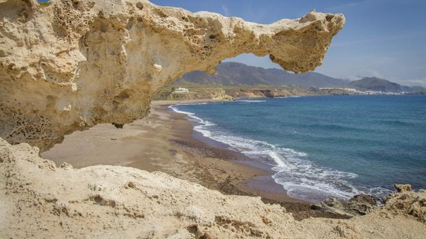 Playa de los Escullos, en el Parque natural del Cabo de Gata-Níjar