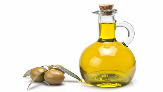 El aceite es un producto básico para la dieta mediterránea