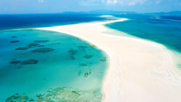 Playa de Hatenohama, en la isla de Kumejima, Okinawa