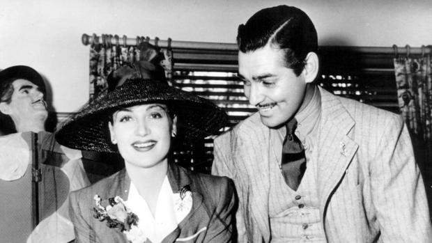 Clark Gable y Carole Lombard, en la celebración del primer aniversario de su matrimonio