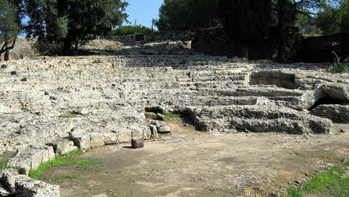 Ruinas del antiguo teatro de Pollentia