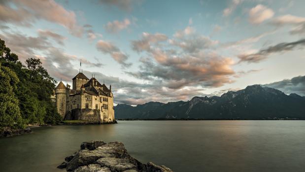 Castillo de Chillon, el monumento más visitado de Suiza, en el Lago Lemán