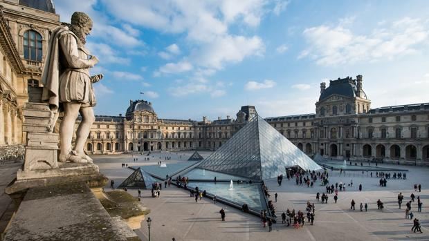 El Museo del Louvre recibió 8,1 millones de visitantes