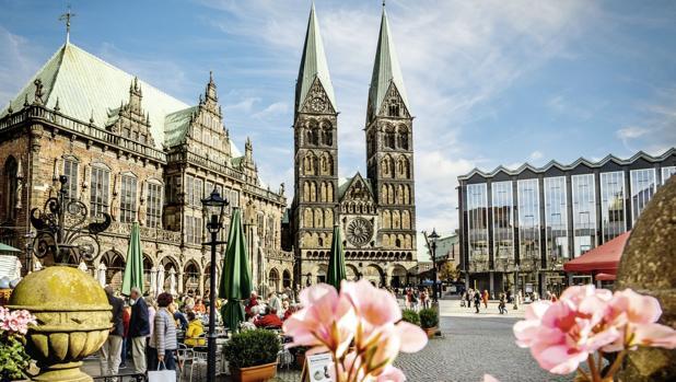 Plaza del Mercado de Bremen, con la espectacular fachada de la catedral