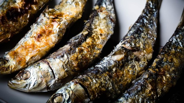 Espeto de sardinas en Lobito de Mar