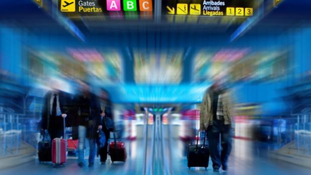 Informar de precauciones antes de iniciar un viaje y dar a a conocer los servicios consulares, objetivos de esta campaña
