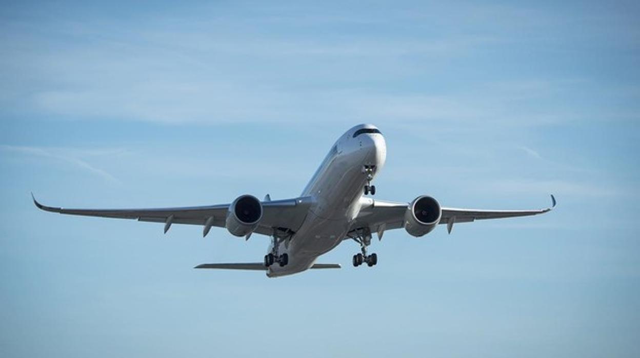 Aterriza en Nueva York el vuelo comercial más largo sin escalas de la historia: 16.700 kilómetros en 17 horas