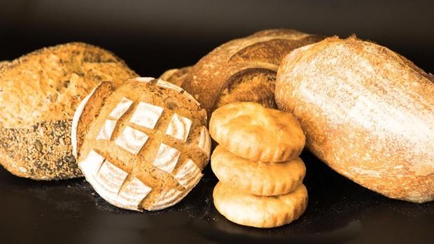 Fotografía facilitada por el restaurante Cenador de Amós, con una estrella Michelin en Cantabria, que cuenta con su propia panadería y un bufet de panes para acompañar sus distintos platos.