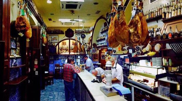 Casa Puga, el bar más antiguo de Almería, abierto desde 1870