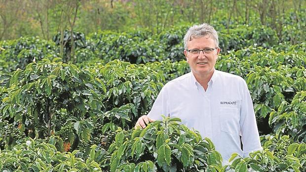 Ricardo Oteros, trabaja un producto 100% procedente de Colombia