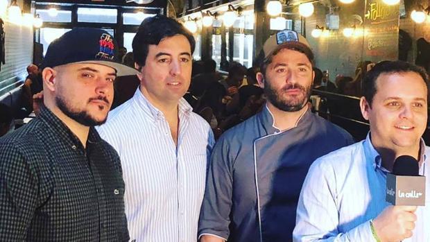 El equipo de Black Iron Burguer en uno de sus restaurantes en Nueva York