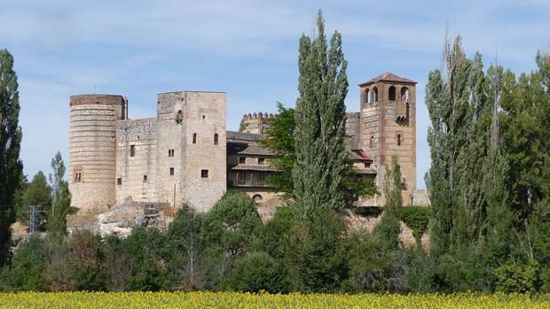 Cinco castillos privados en venta en España