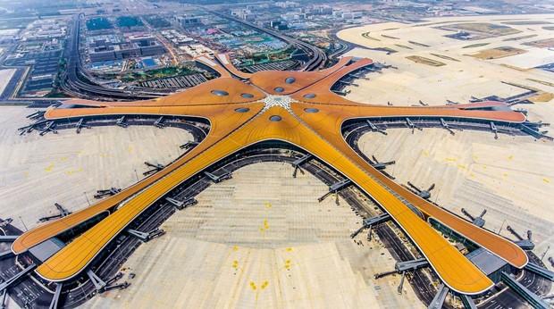 Pekín estrena el mayor aeropuerto del mundo