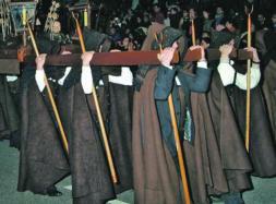 Valdeón cree que la decisión de de las Capas Pardas es señal de «no haber logrado la igualdad»