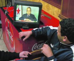 Argelia renuncia al fin de semana islámico por su coste