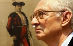 Andrés Amorós: «ABC, en tauromaquia, está en la Historia de España»
