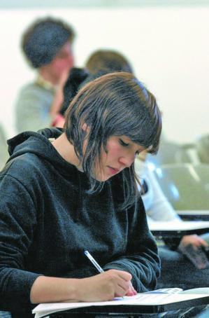 Las facultades de Medicina estudian acotar la entrada de estudiantes no catalanes
