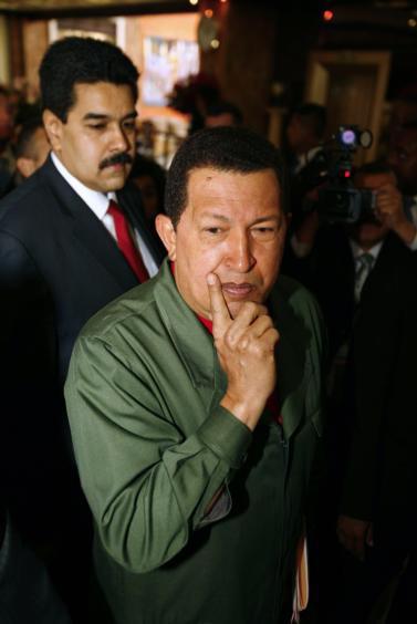 A Chávez se le funden los plomos