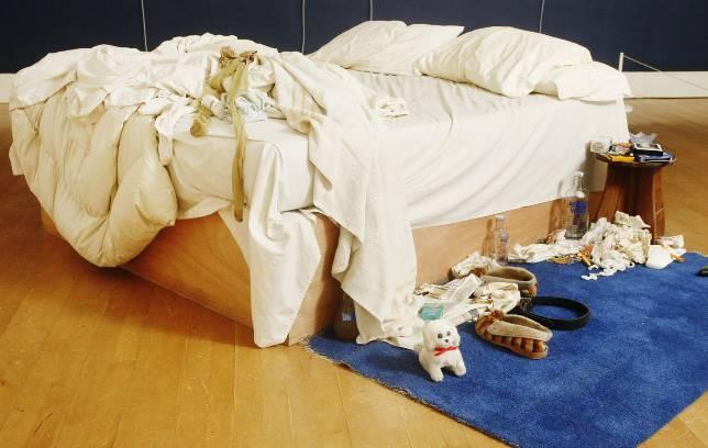 «My Bed», de Tracey Emin, una de las 200 obras que ha donado Saatchi a Gran Bretaña. AFP